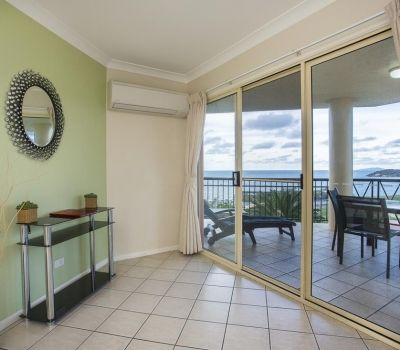 One-Bedroom-Apartment-Airlie-Beach-3