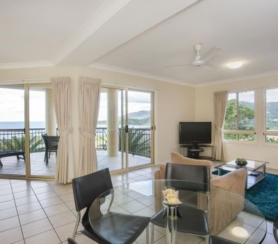 One-Bedroom-Apartment-Airlie-Beach-4