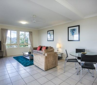 One-Bedroom-Apartment-Airlie-Beach-6