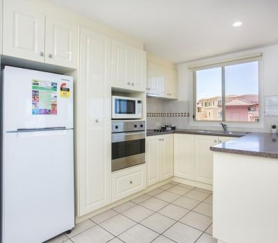 Two-Bedroom-Apartments-Airlie-Beach-1