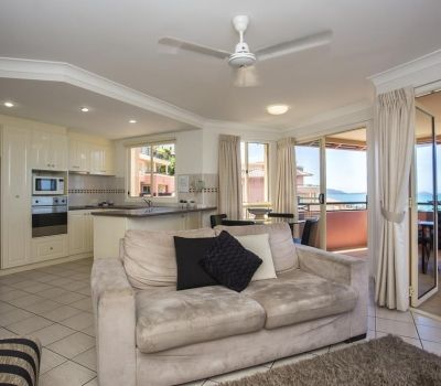 Two-Bedroom-Apartments-Airlie-Beach-3