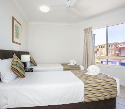 Two-Bedroom-Apartments-Airlie-Beach-7