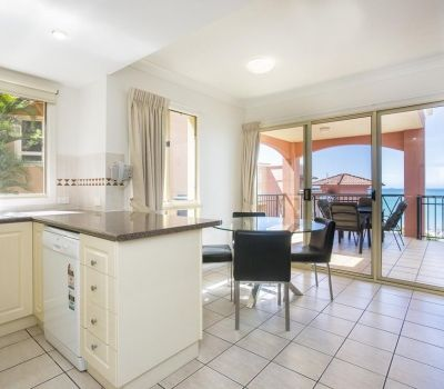 Two-Bedroom-Apartments-Airlie-Beach-8