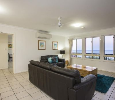 Two-Bedroom-Penthouse-Airlie-Beach-11